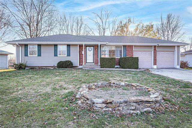 122 SE Moore Street, Blue Springs, MO 64014 (#2256380) :: House of Couse Group