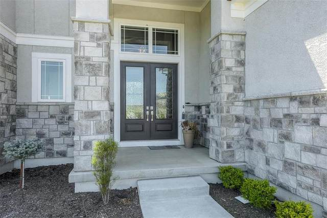17208 Melrose Street, Overland Park, KS 66221 (#2256397) :: House of Couse Group