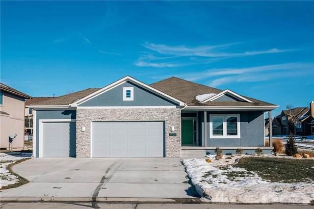 5001 N 143 Street, Basehor, KS 66007 (#2256667) :: House of Couse Group