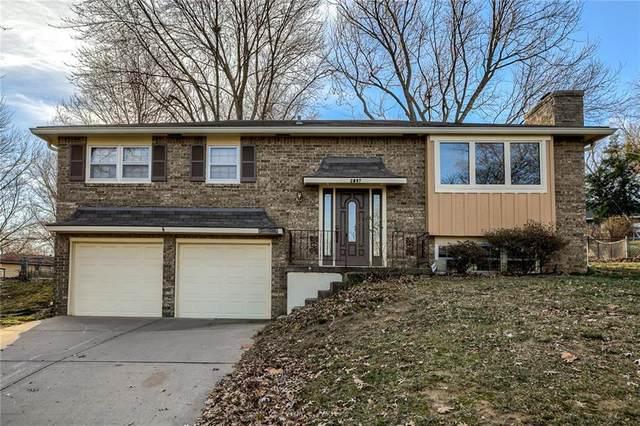 8807 N Kenwood Avenue, Kansas City, MO 64155 (#2256669) :: Audra Heller and Associates