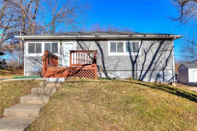 1208 NE 44th Terrace, Kansas City, MO 64116 (#2257040) :: Audra Heller and Associates