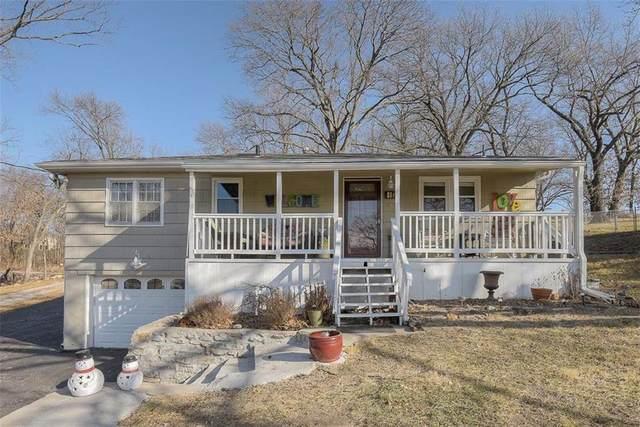 452 NW North Shore Drive, Lake Waukomis, MO 64151 (#2257161) :: Audra Heller and Associates