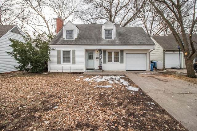 5009 W 71st Street, Prairie Village, KS 66208 (#2257213) :: House of Couse Group