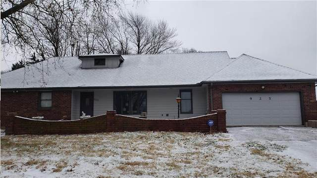 925 S Alexander Road, Independence, MO 64056 (#2257297) :: Ask Cathy Marketing Group, LLC