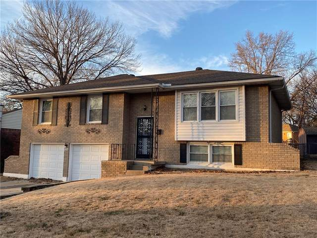15306 E 43rd Place, Independence, MO 64055 (#2257311) :: Eric Craig Real Estate Team