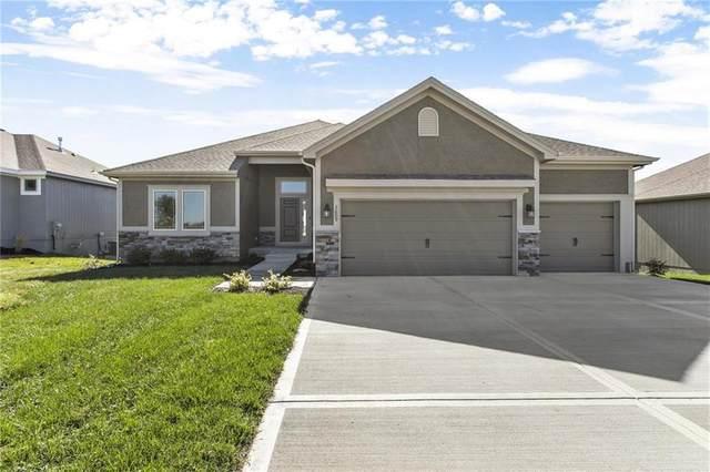 10823 N Corrington Avenue, Kansas City, MO 64156 (#2257493) :: Eric Craig Real Estate Team