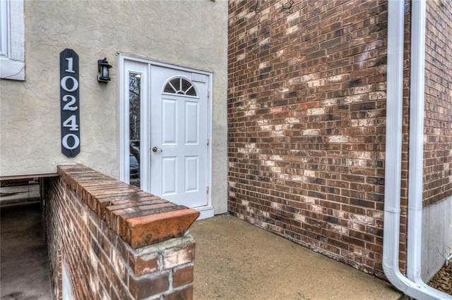 10240 W 96th Terrace D, Overland Park, KS 66212 (#2257763) :: House of Couse Group