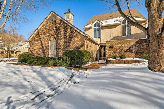 6327 Kennett Place, Mission, KS 66202 (#2257912) :: House of Couse Group