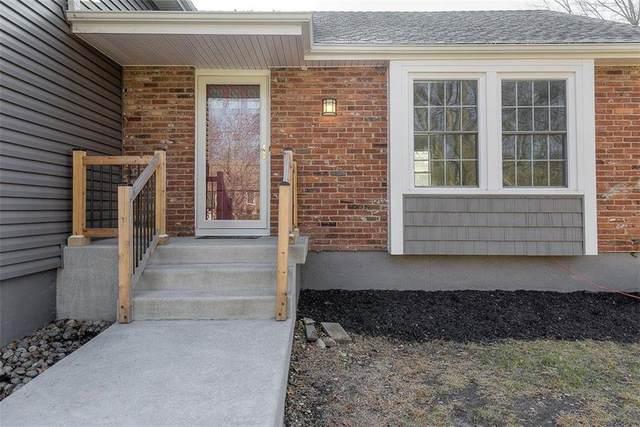 1131 NE Oak Tree Drive, Lee's Summit, MO 64086 (#2258190) :: Eric Craig Real Estate Team