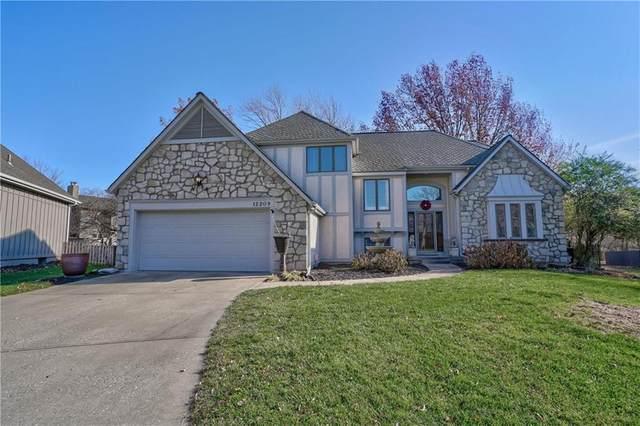12209 Cedar Street, Overland Park, KS 66209 (#2258218) :: House of Couse Group