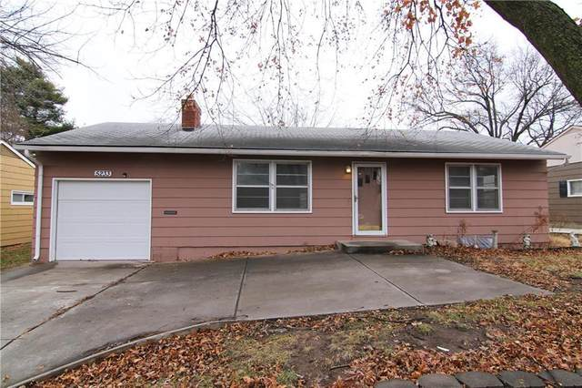 5233 Lamar Avenue, Mission, KS 66202 (#2258227) :: House of Couse Group