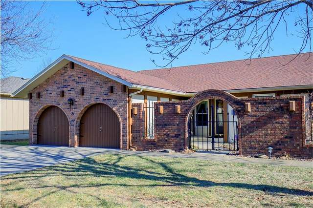 51 Holly Drive, Olathe, KS 66062 (#2258397) :: Eric Craig Real Estate Team