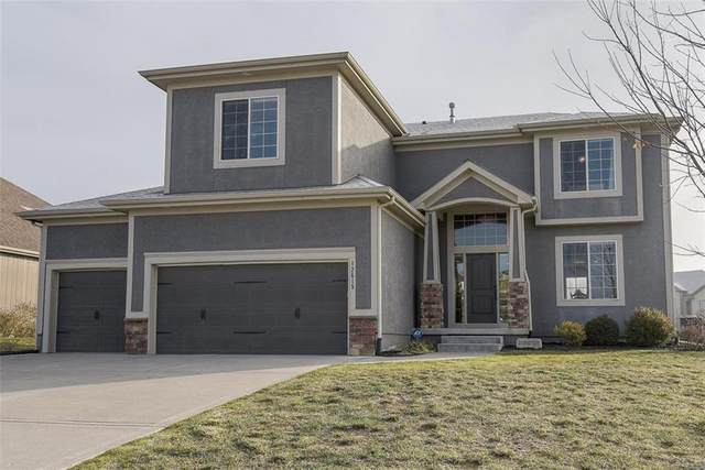 12615 S Laci Circle, Lee's Summit, MO 64086 (#2258474) :: House of Couse Group
