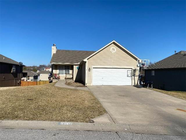 18514 E Bundschu Place, Independence, MO 64056 (#2258504) :: Eric Craig Real Estate Team