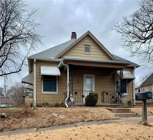 3313 Locust Street, St Joseph, MO 64501 (#2258649) :: Dani Beyer Real Estate