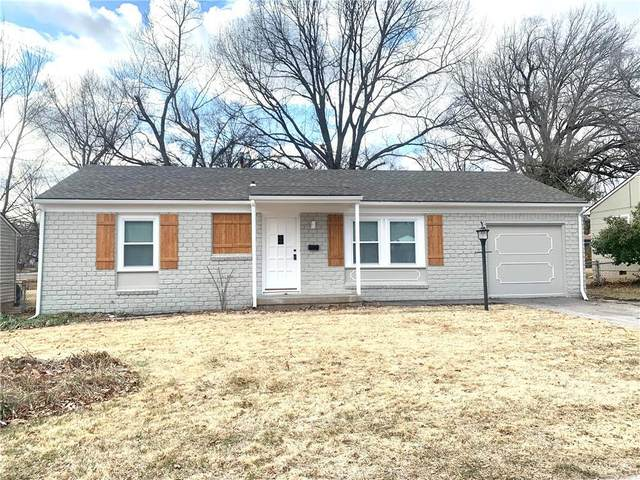 7332 Nall Avenue, Overland Park, KS 66208 (#2258912) :: Beginnings KC Team