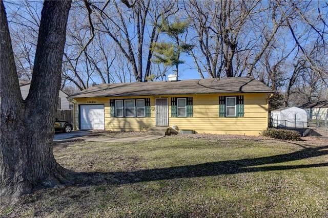 11204 Marsh Street, Kansas City, MO 64134 (#2258932) :: Audra Heller and Associates