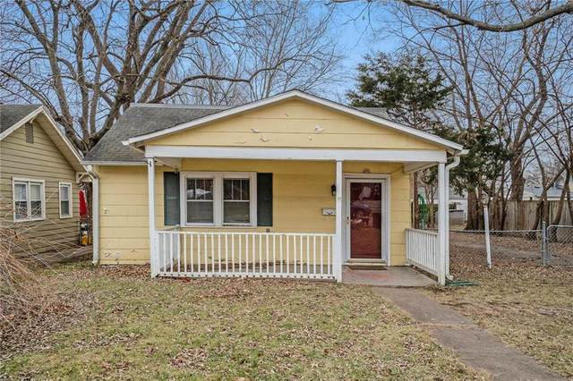 11 E 78 Street, Kansas City, MO 64114 (#2258951) :: Audra Heller and Associates