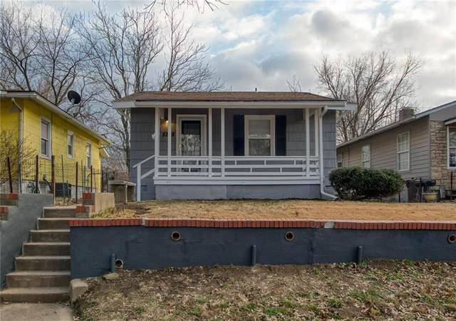 5209 Gladstone Boulevard, Kansas City, MO 64123 (#2259009) :: Audra Heller and Associates