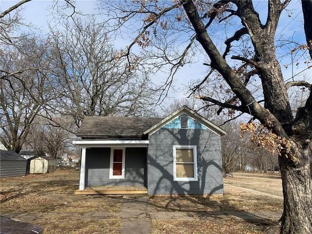 1223 E Oak Street, Fort Scott, KS 66701 (#2259179) :: The Kedish Group at Keller Williams Realty
