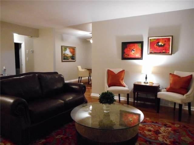 615 W 101st Street, Kansas City, MO 64114 (#2259230) :: Ron Henderson & Associates
