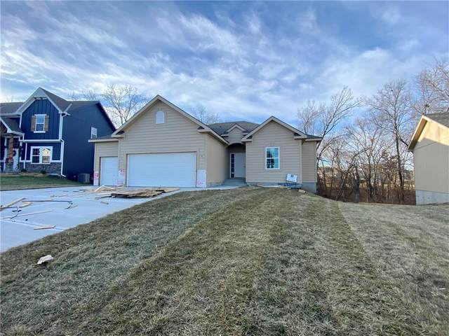 10416 N Donnelly Avenue, Kansas City, MO 64157 (#2240229) :: Ask Cathy Marketing Group, LLC
