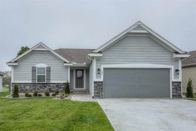 104 N Carriage Meadows Trail, Peculiar, MO 64078 (#2253948) :: Five-Star Homes