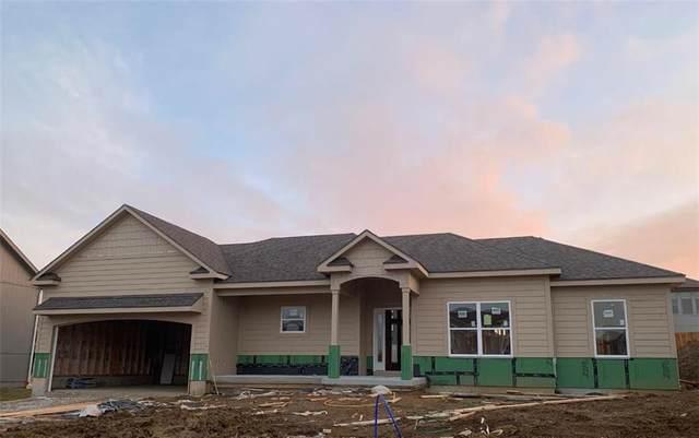 1313 NW Hickorywood Court, Grain Valley, MO 64029 (#2256223) :: Austin Home Team