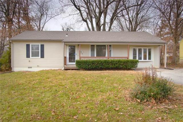 7138 Woodson Street, Overland Park, KS 66204 (#2256560) :: Beginnings KC Team