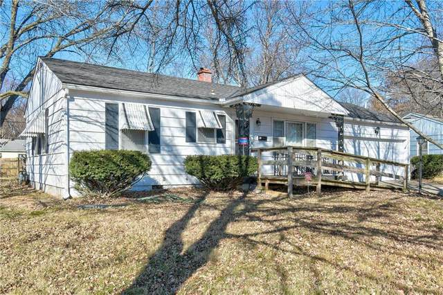 9100 Richards Drive, Raytown, MO 64133 (#2258282) :: House of Couse Group
