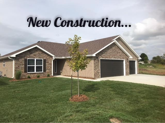 1504 6th Street Terrace, Knob Noster, MO 65336 (#2108730) :: Edie Waters Network