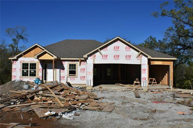 2401 SE Ridge Line Drive, Blue Springs, MO 64014 (#2126021) :: Edie Waters Network