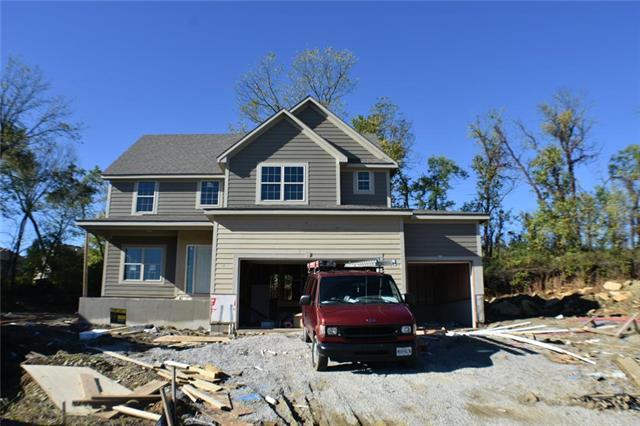 1402 Burr Oak Court, Grain Valley, MO 64029 (#2126066) :: Edie Waters Network