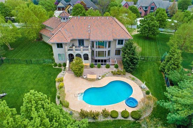14566 Granada Circle, Leawood, KS 66224 (#2168051) :: House of Couse Group