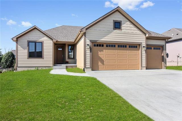 1401 N 3rd East Street, Louisburg, KS 66053 (#2092642) :: Char MacCallum Real Estate Group
