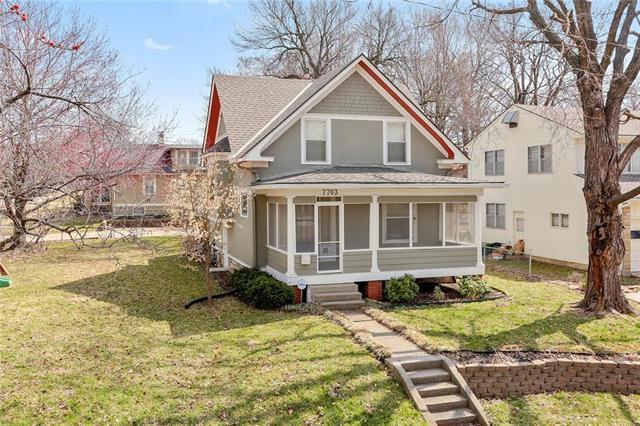 7703 Pennsylvania Avenue, Kansas City, MO 64114 (#2155003) :: House of Couse Group
