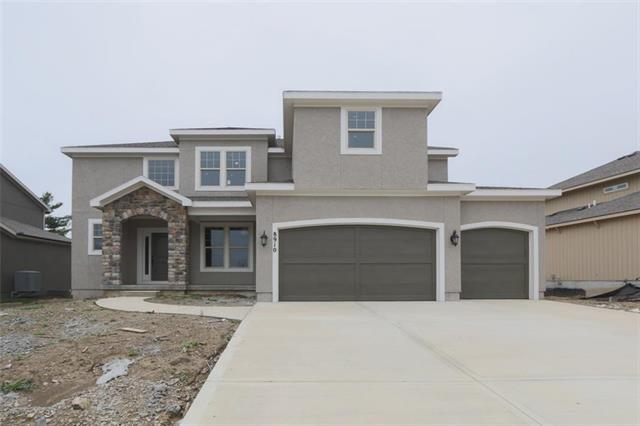 8910 W 165 Terrace, Overland Park, KS 66221 (#2050457) :: The Shannon Lyon Group - ReeceNichols
