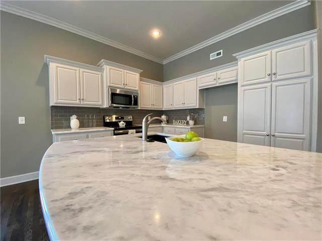 627 Rosewood Court, Liberty, MO 64068 (#2186173) :: Dani Beyer Real Estate