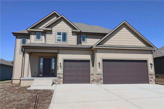 509 SE Colonial Drive, Blue Springs, MO 64014 (#2071538) :: Edie Waters Network