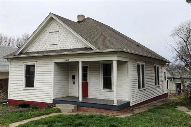1903 Mitchell Avenue, St Joseph, MO 64507 (#117426) :: Edie Waters Network