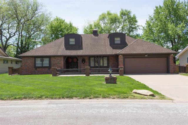 1822 Lovers Ln Terrace, St Joseph, MO 64505 (#117602) :: Edie Waters Network