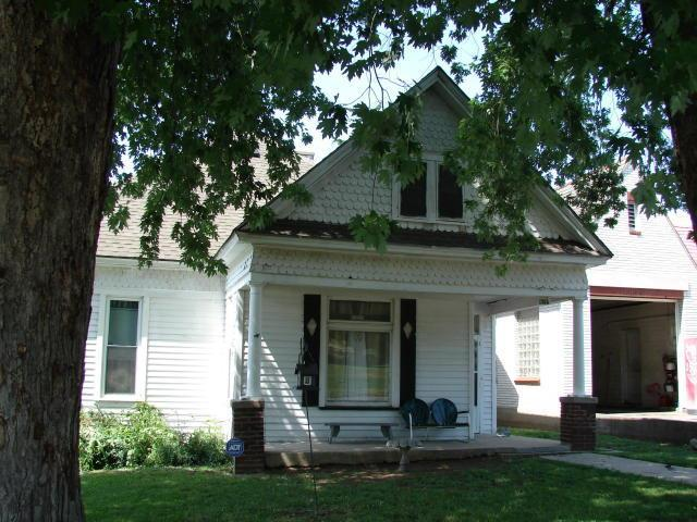 1915 Mitchell Avenue, St Joseph, MO 64507 (#117843) :: Edie Waters Network