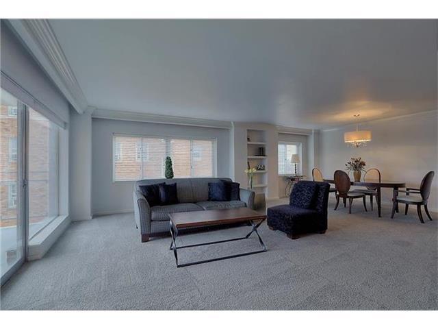 4740 Roanoke Parkway #605, Kansas City, MO 64112 (#2023912) :: Carrington Real Estate Services