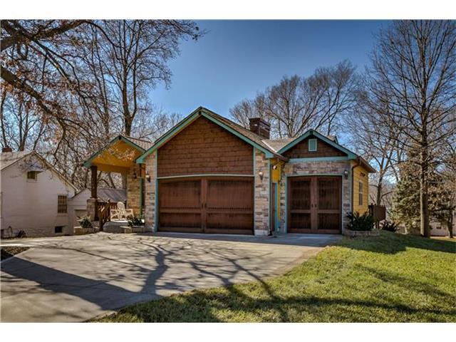 5148 Parish Drive, Roeland Park, KS 66205 (#2027394) :: The Shannon Lyon Group - Keller Williams Realty Partners