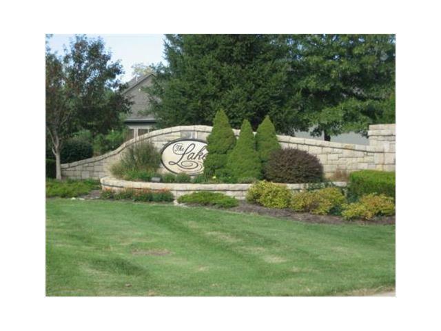 708 S 12th Terrace, Louisburg, KS 66053 (#2031937) :: Edie Waters Team