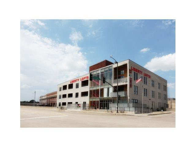 360 W Pershing Road #130, Kansas City, MO 64108 (#2035722) :: Carrington Real Estate Services