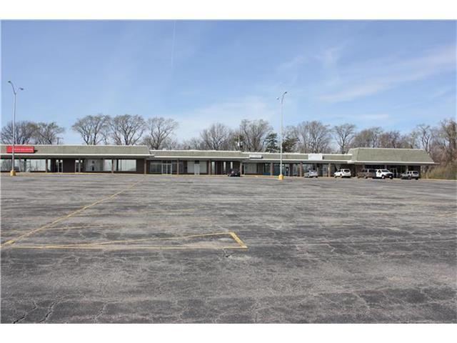 10500 Grandview Road, Kansas City, MO 64127 (#2035764) :: HergGroup Kansas City