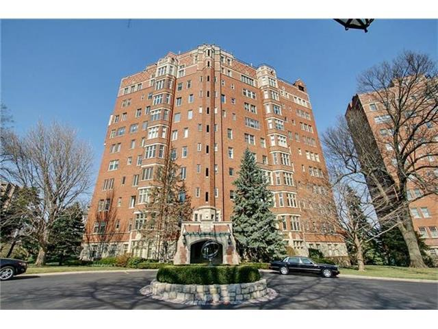 5049 Wornall  9A B Road, Kansas City, MO 64112 (#2036355) :: The Shannon Lyon Group - Keller Williams Realty Partners