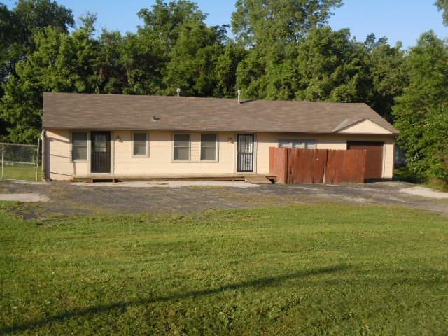 213 Blue Ridge Extension, Grandview, MO 64030 (#2039929) :: Carrington Real Estate Services
