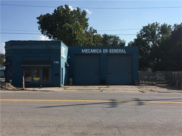 745 Osage Avenue, Kansas City, KS 66105 (#2040839) :: HergGroup Kansas City